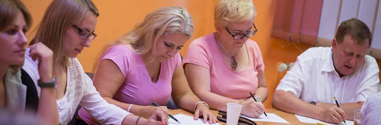 Kursy grupowe i indywidualne dla osób dorosłych